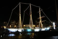 das Mercator Schiff  im Winter traumhaft schön