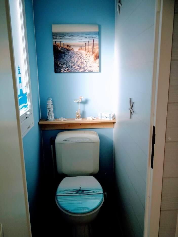 Toilette mit Fenster